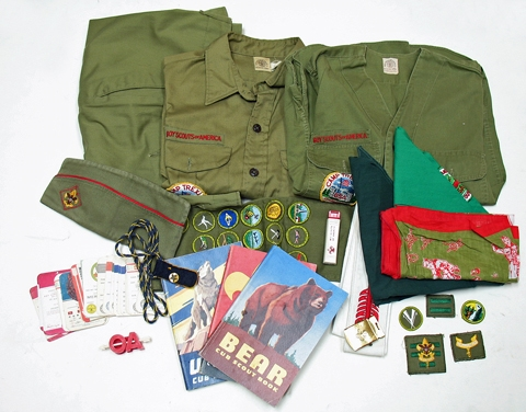 VINTAGE ASSORTMENT OF BOY SCOUT ITEMS